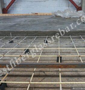 piso-con-varilla de fibra de vidrio